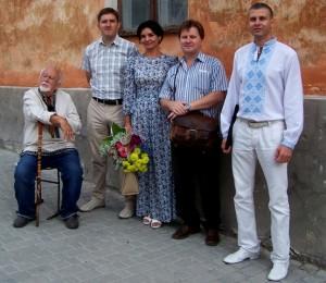 з науковцями й письменниками Р.Лубківським, С.Пилипчуком, І.Павлюком та А.Кузбменком